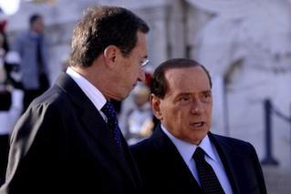 Fini-Berlusconi_11-10