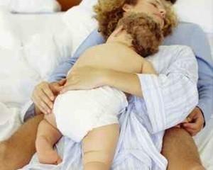 famiglia_nel_letto