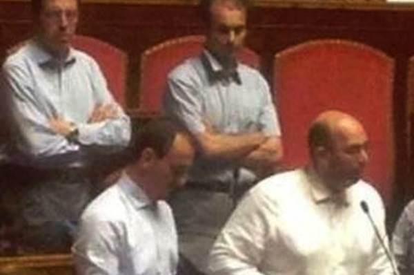 Processo mediaset blocca le camere rissa sfiorata tra m5s for Video camera dei deputati oggi