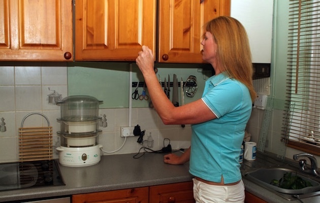 Casa come allontanare le formiche senza ucciderle donne - Formiche in cucina ...