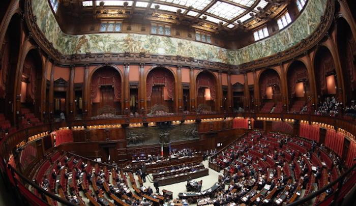Italicum voto alla camera malumori nel pd for Video camera dei deputati oggi