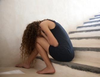 Roma:  violenta per ore una ragazzina conosciuta in chat