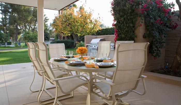 Tavola in terrazza e in giardino: le regole per apparecchiare con ...