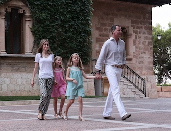 Letizia Ortiz: look casual chic a Majorca. Foto