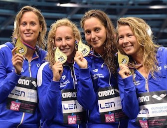 Europei di nuoto: Pellegrini regala l'oro alla staffetta femminile 4×200 sl