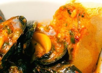 zuppa-vongole-e-cozze-al-pomodoro