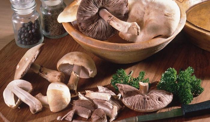 scegliere e pulire i funghi