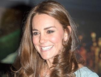 Kate incinta: bella in abito da sera. Foto