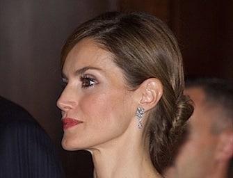 Letizia Ortiz: 5 nuovi look della regina di Spagna. Foto