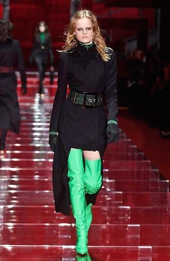 Versace  sfilata autunno inverno 2015-16. Foto cdd713debcb