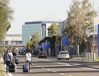 Aeroporto di Roma Fiumicino chiuso per incendio