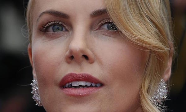 Charlize Theron red carpet Cannes 2015