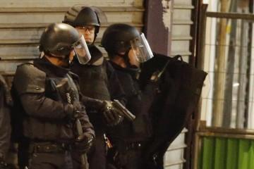 Parigi attacchi forze speciali