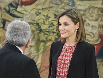 Letizia di Spagna, come essere eleganti con una giacca di Zara