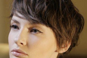 capelli castani taglio donna