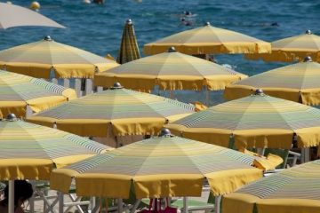 balneazione divieti italia mare spiaggia