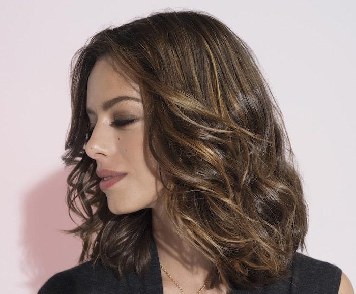 Foto capelli medi con frangia