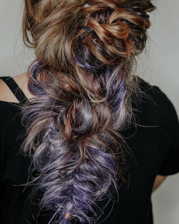 capelli colorati sposa castano e viola