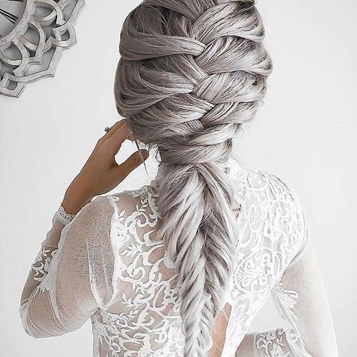 capelli sposa 2018 grigi con treccia