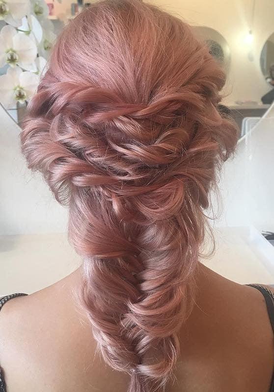 capelli sposa 2018 treccia colore rose gold