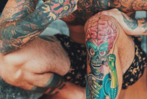 fedez tatuaggio mars attack