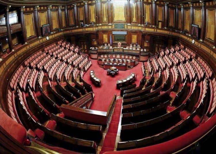 Donne sul web for Quanti sono i membri del parlamento italiano