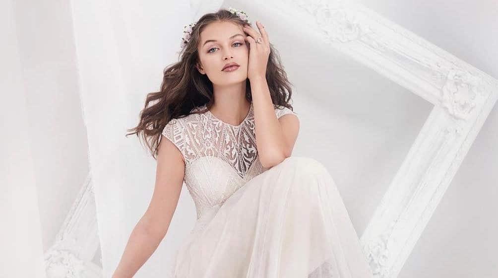 7406eb1015a7 Le collezioni abiti da sposa 2019. I 115 vestiti più belli. Foto - Donne  Sul Web