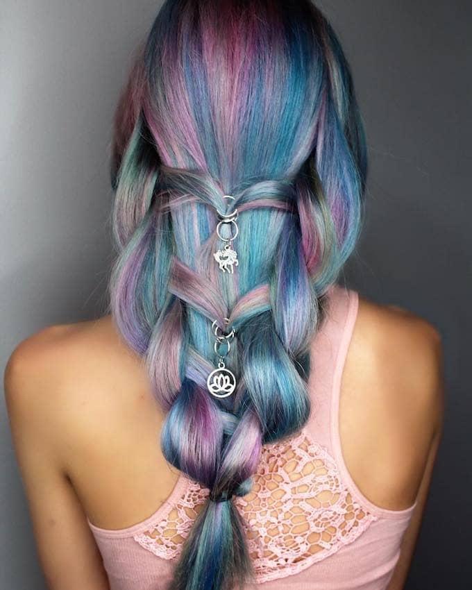 treccia capelli colorati estate 2018