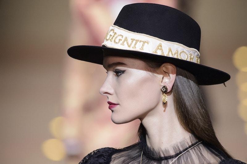 Dolce-e-Gabbana-cappello-donna-inverno-2018-2019.
