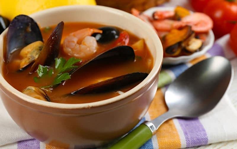 cozze e gamberi zuppa