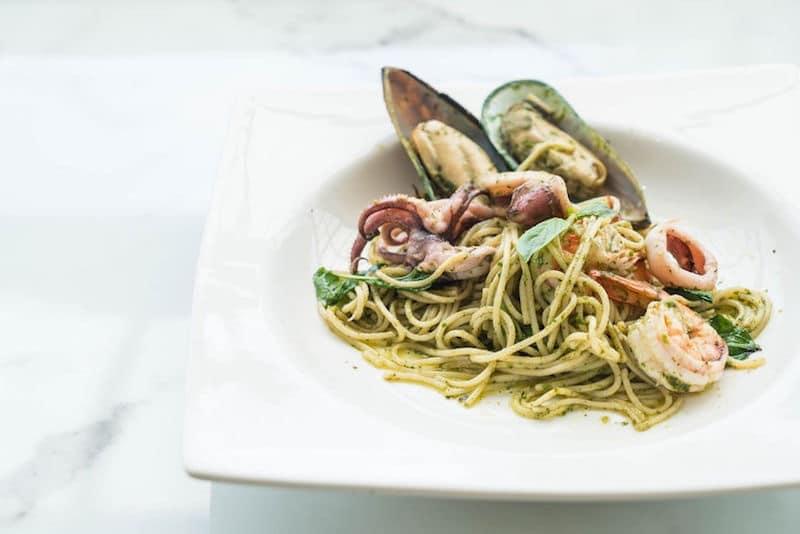 spaghetti-cozze-pesto-frutti-di-mare