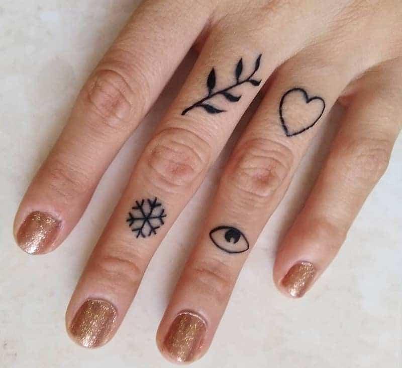tatto dita simboli