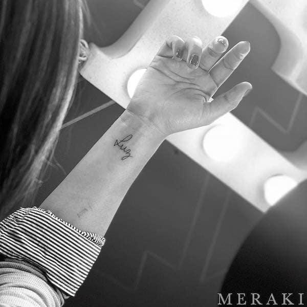 tattoo scritta polso coppia