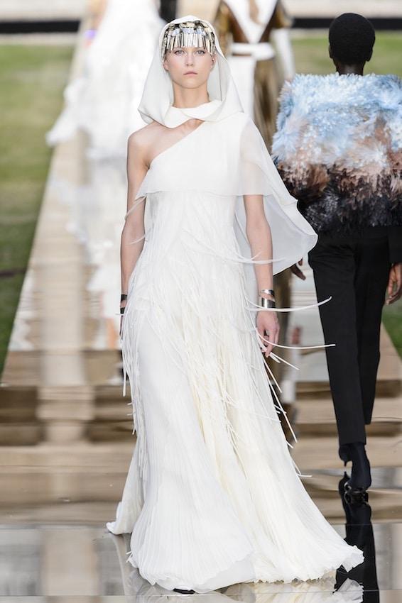 Abiti sposa Alta Moda 2018 - 2019. 28 vestiti che fanno sognare ... 867866da75a