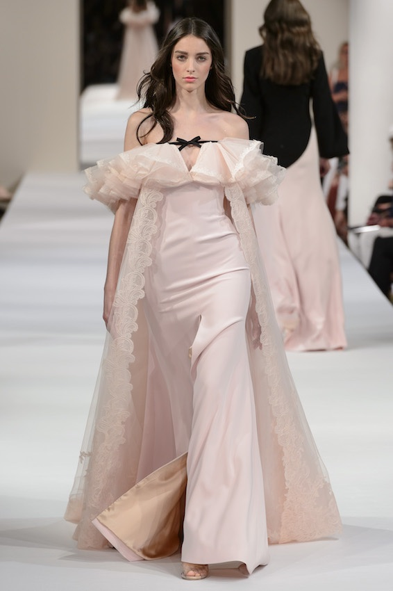 eae0b4ac725e Abiti sposa Alta Moda 2018 - 2019. 28 vestiti che fanno sognare ...