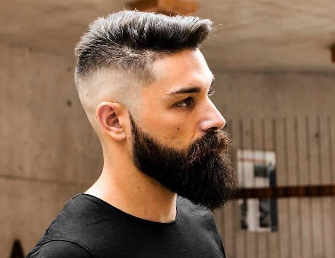 barba lunga capelli rasati