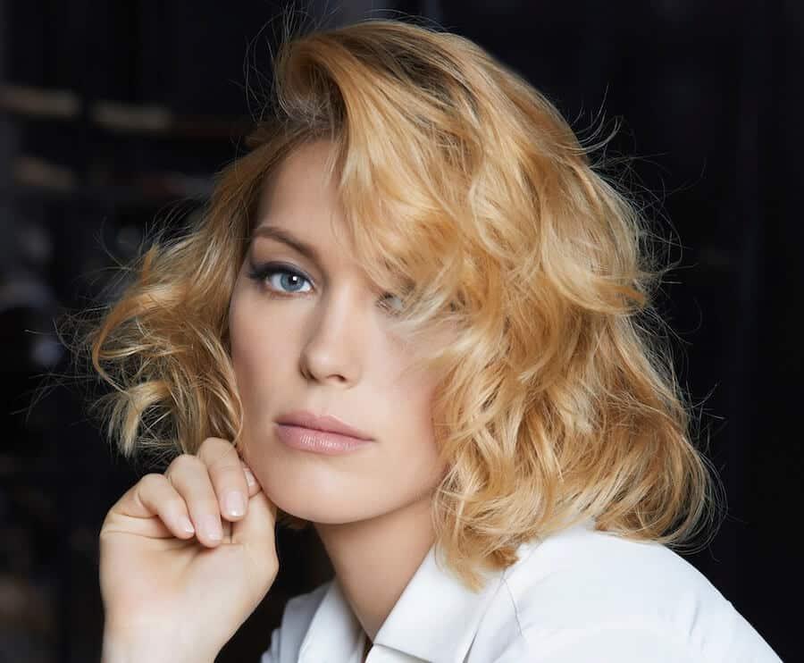 Foto taglio capelli medio mossi