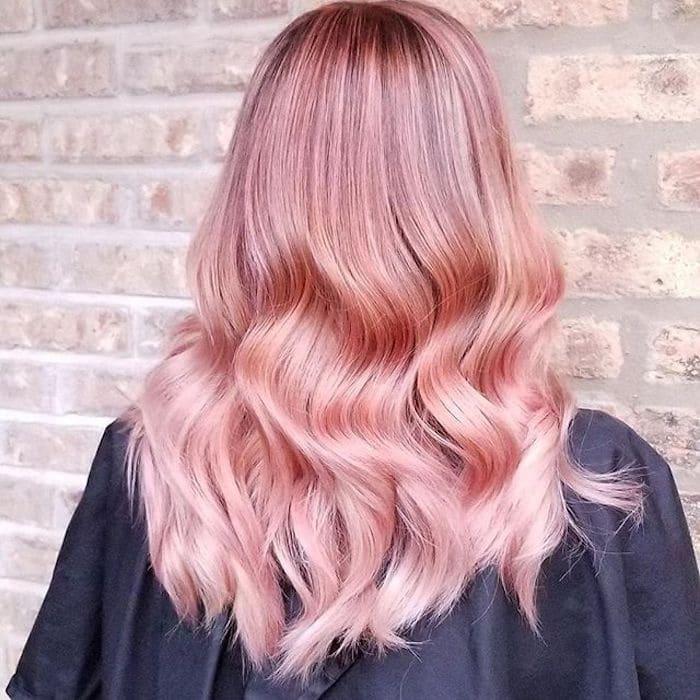 Capelli rosa con onde Wella hair 2018 2019