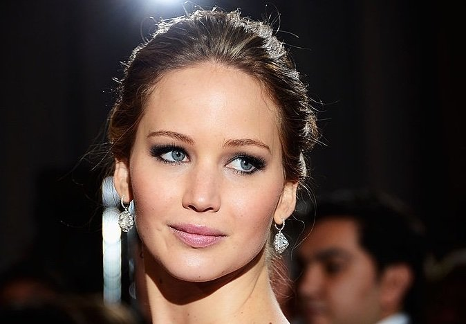 Jennifer-Lawrence-red-carpet-2013