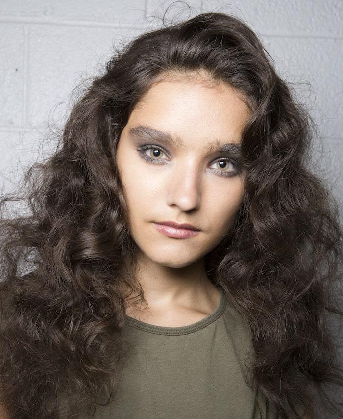 Tagli medi per capelli ricci