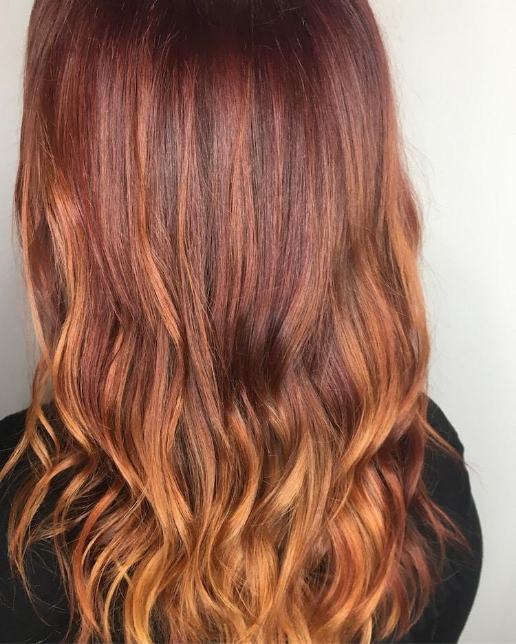 capelli lunghi rossi balayage inverno 2019