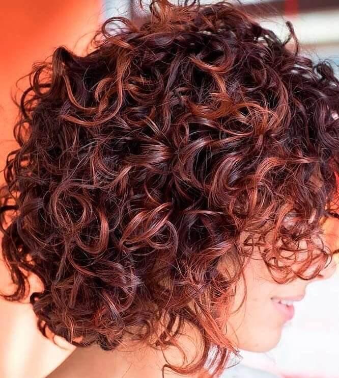 Colore capelli ricci