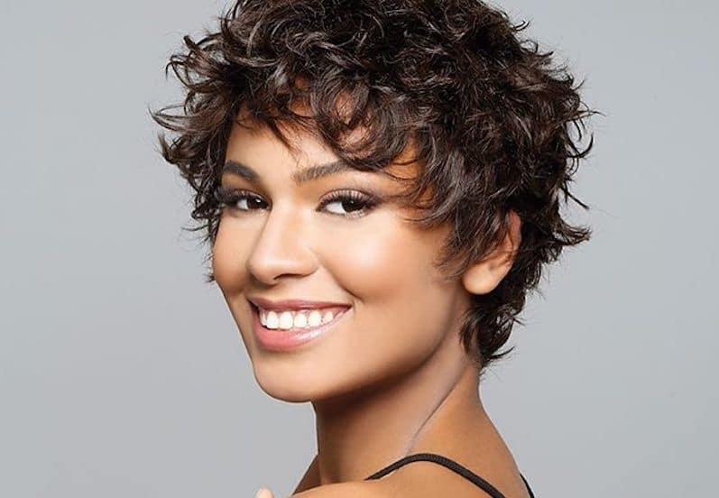 Foto tagli capelli corti ricci 2019