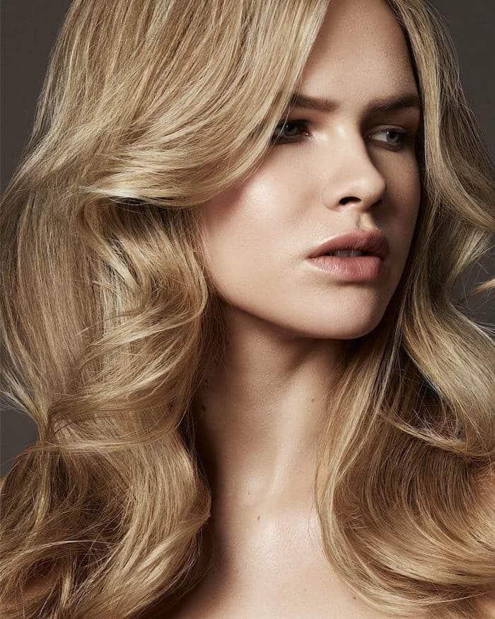 Tagli di capelli lunghi moderni