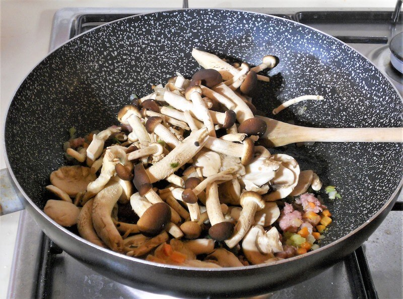Pasta funghi e salsiccia 2