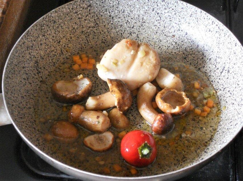 Polenta con funghi porcini al pomodoro 2
