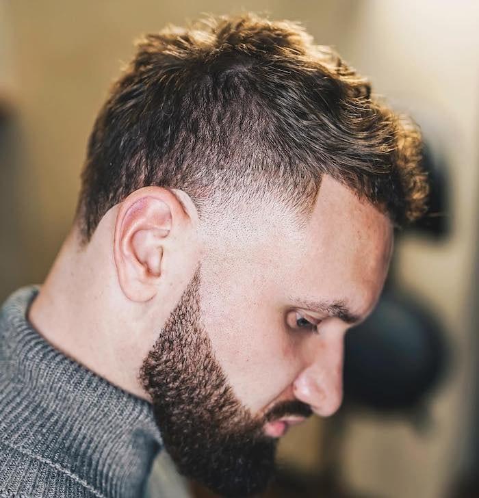 capelli corti uomo 2019 -barba lunga