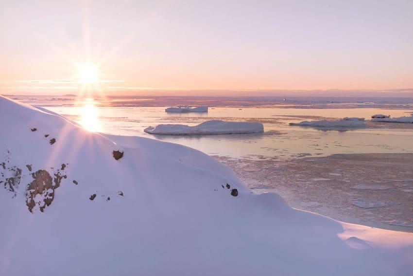 Tramonto sulla Disko Bay in Groenlandia