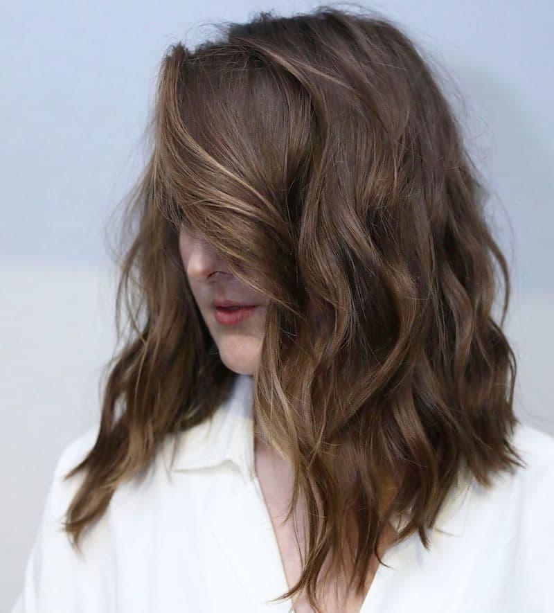 anchotran capelli mossi viso tondo