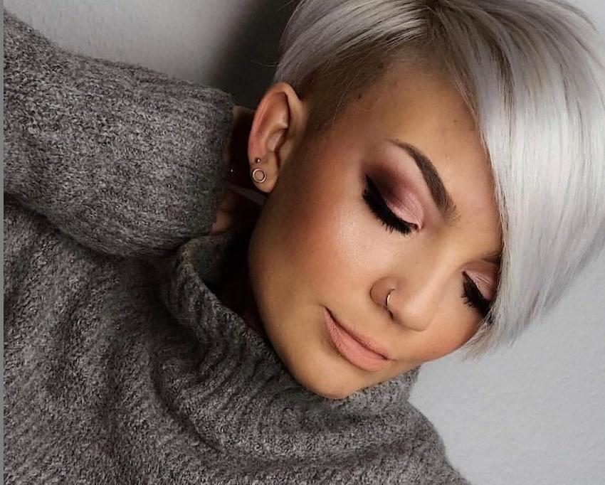 capelli grigi sopracciglia